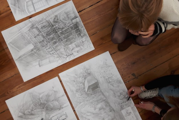 Najlepsze kursy rysunku przygotowujące do egzaminów wstępnych na architekturę i inne kierunki projektowe i graficzne. Zdobądź indeks wymarzonej uczelni!