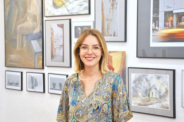 Poznaj nowego nauczyciela RA – Patrycja Maria Kowal, malarka i architekt, przejmuje dowodzenia nad Warsztatami Artystycznymi RA! :D